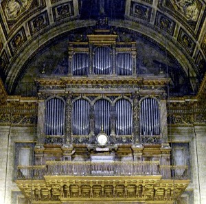 P1030416_Paris_VIII_église_de_la_Madeleine_orgue_de_tribune_rwk