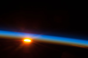 Sunrise_Over_the_South_Pacific_Ocean